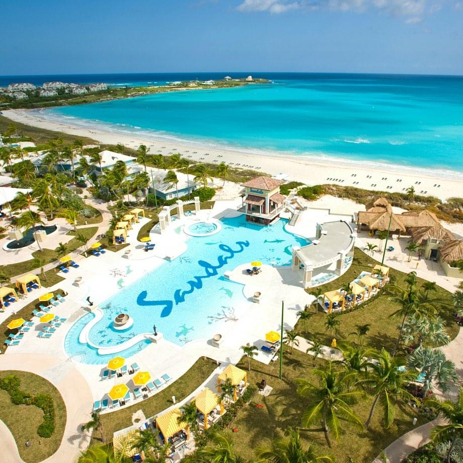 mare-caraibi-bahamas-sandals-emerald-bay-2
