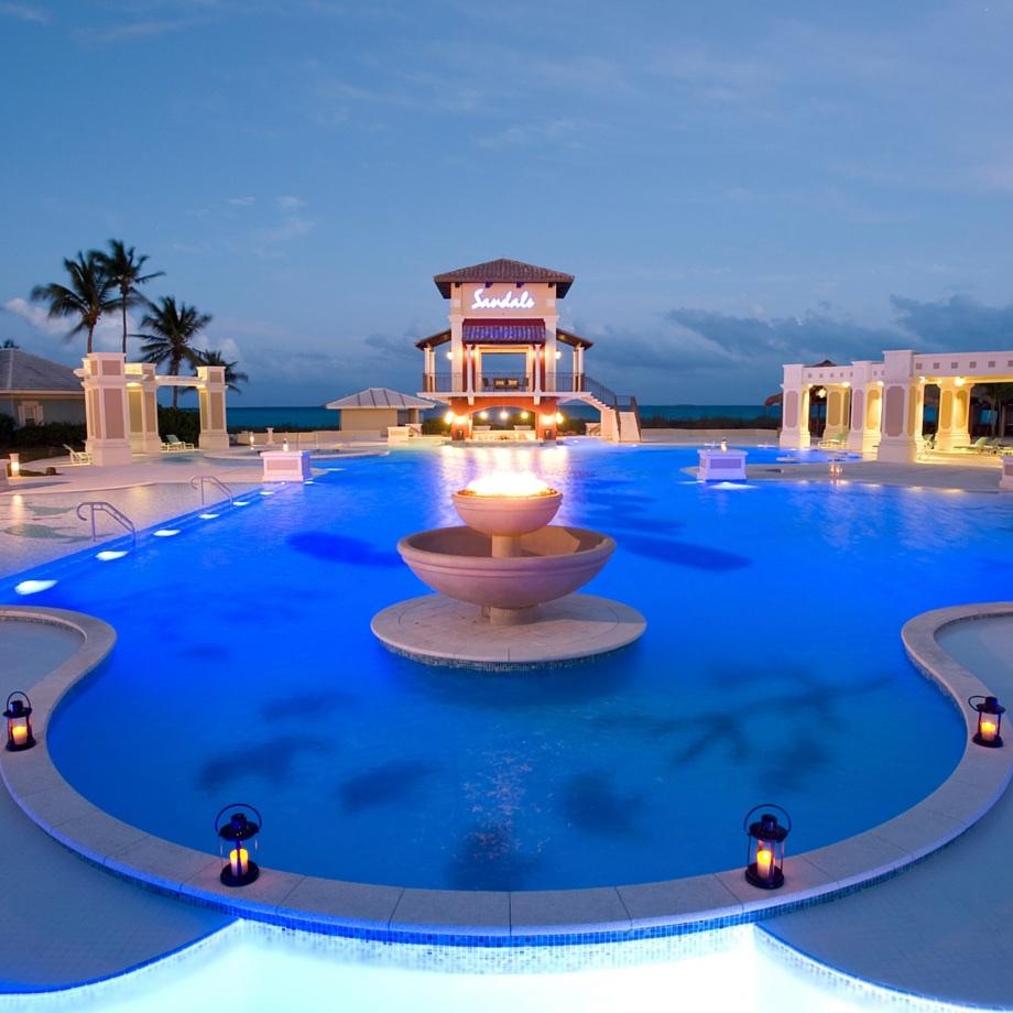 mare-caraibi-bahamas-sandals-emerald-bay-7