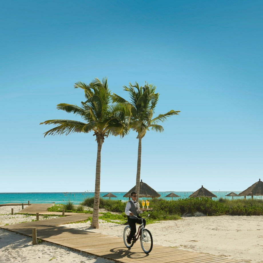 mare-caraibi-bahamas-sandals-emerald-bay