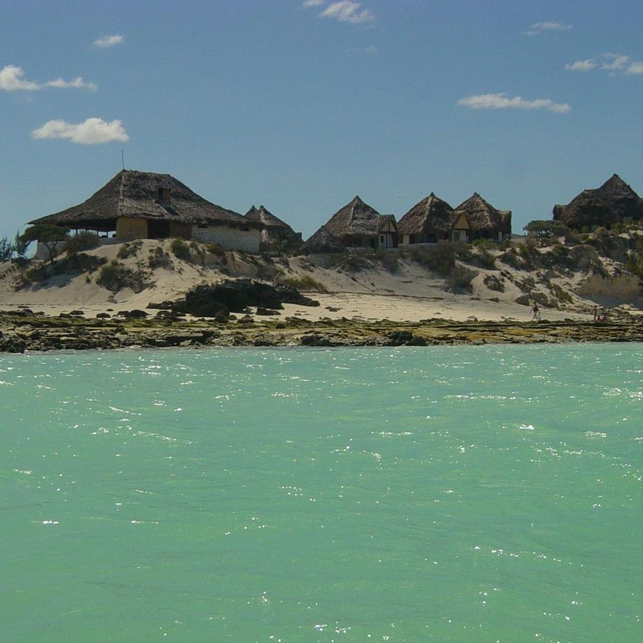 mare-madagascar-salary-bay-resort-1