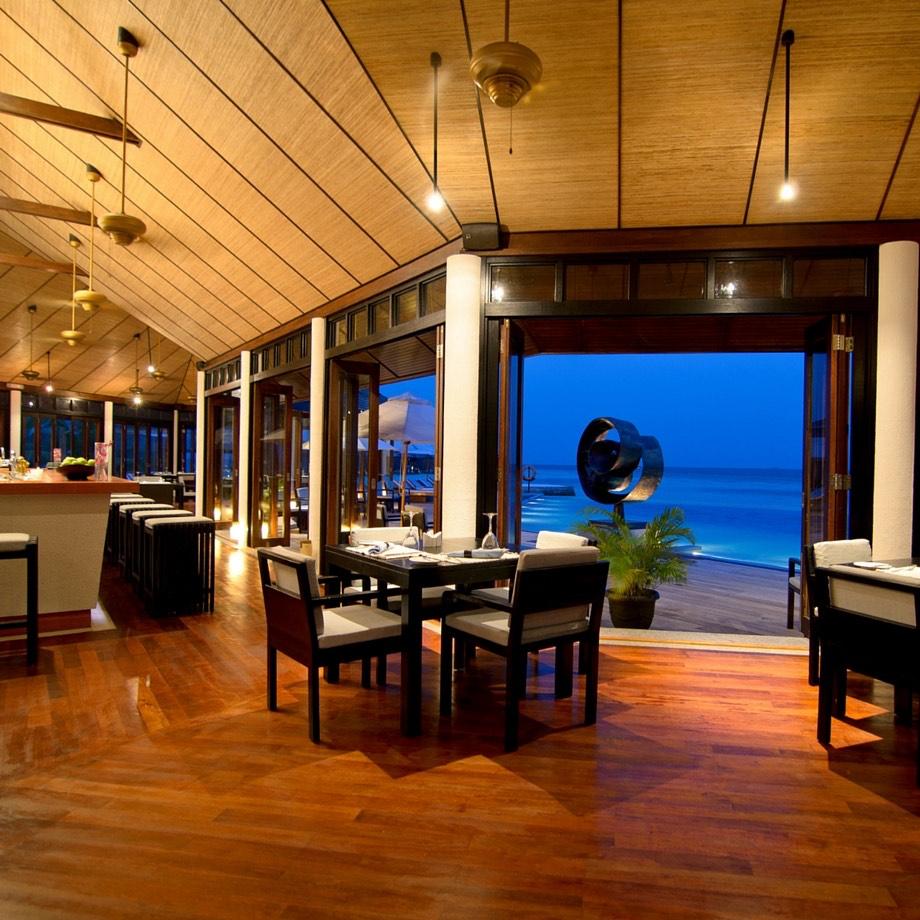 mare-maldive-lily-beach-resort-&-spa-1