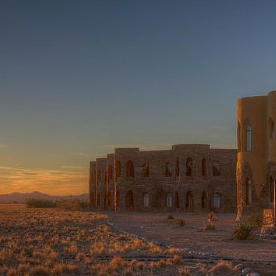namibia-africa-safari-desert-lodge-le-mirage-luxury5