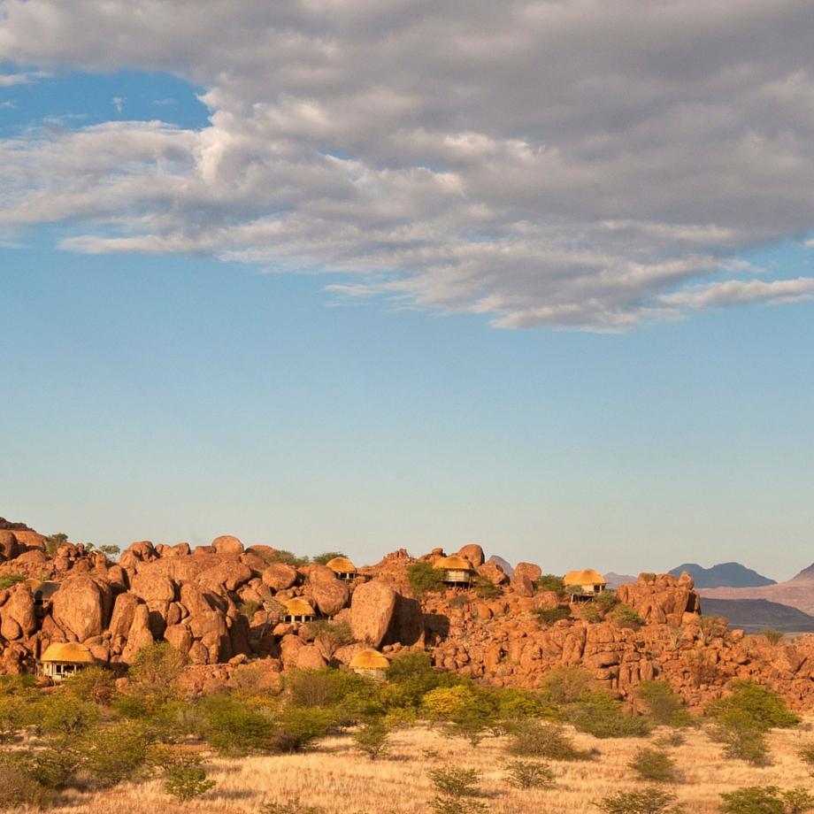 namibia-africa-safari-mowani-mountain-camp-luxury-3