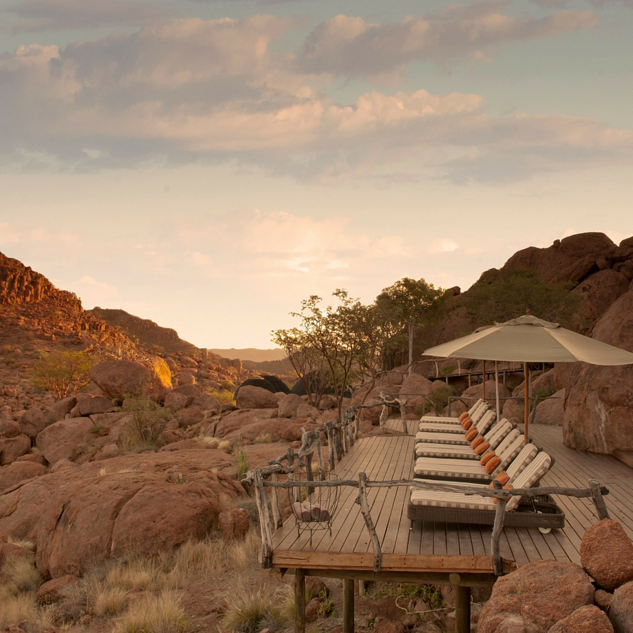 namibia-africa-safari-mowani-mountain-camp-luxury-5