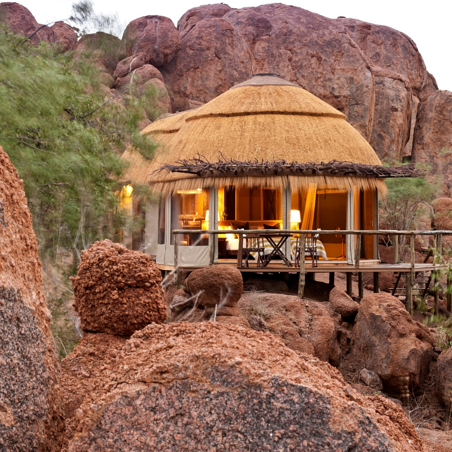 viaggi namibia africa safari mowani mountain camp luxury