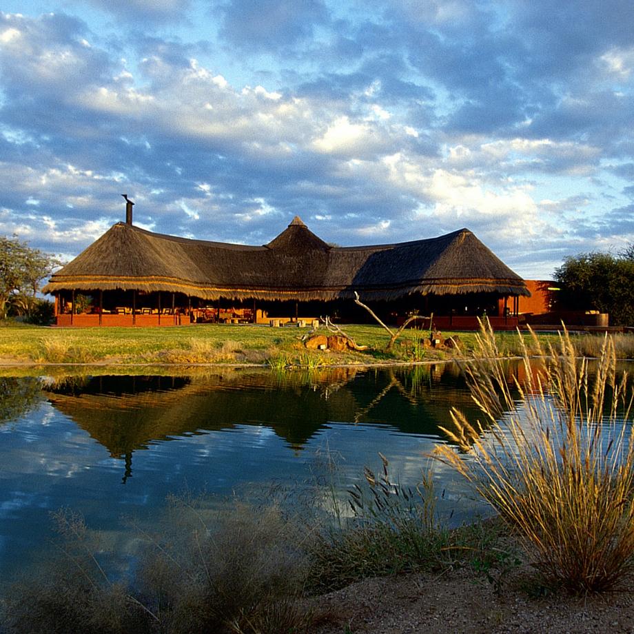 viaggi lusso namibia africa safari okonjima bush camp luxury