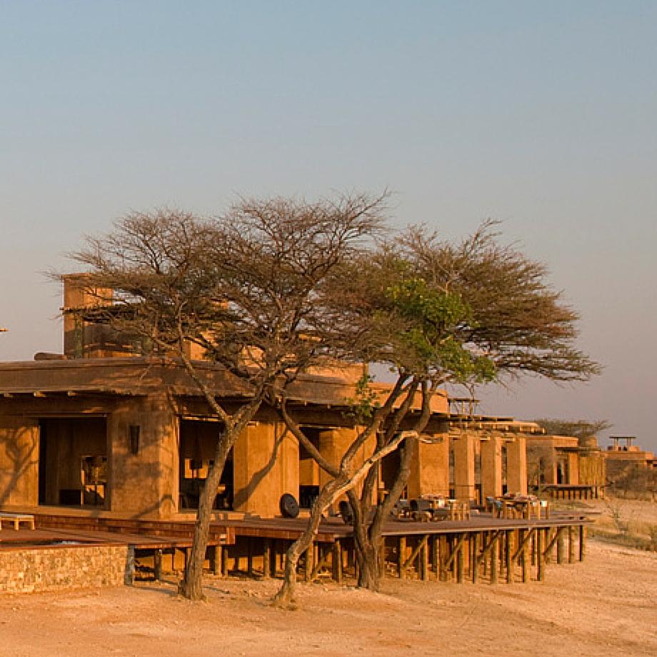 namibia-africa-safari-onguma-the-forth-luxury