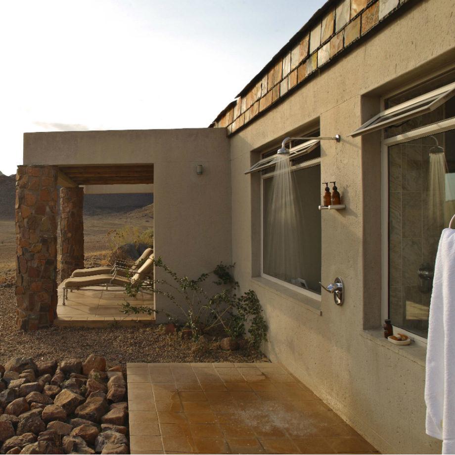 safari-africa-namibia-andbeyond-sossusvlei-desert-lodge-17