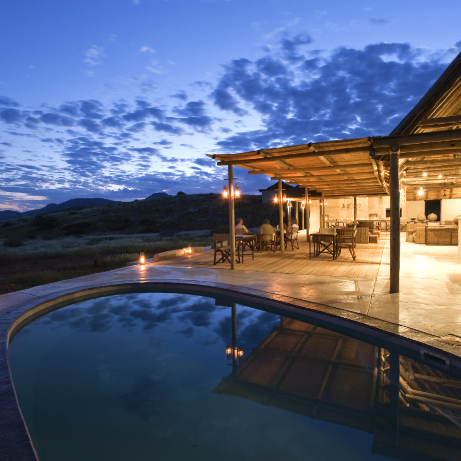 viaggi di lusso africa safari namibia damaraland camp wilderness safaris