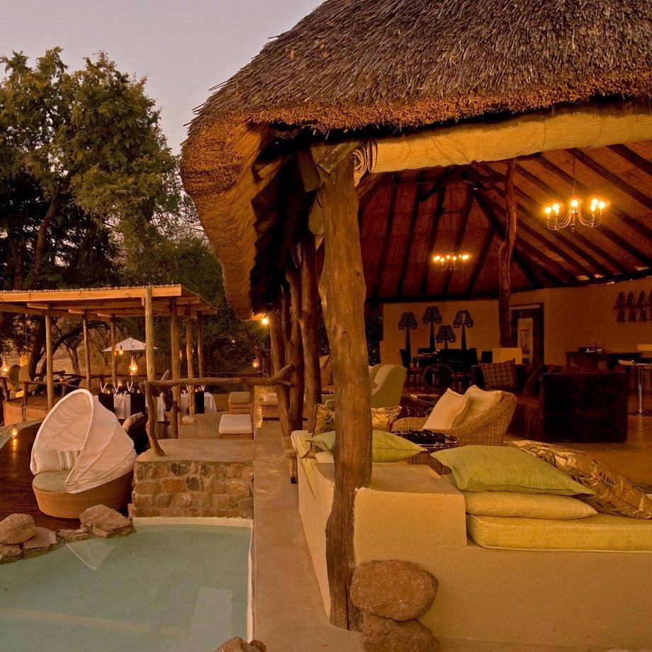 safari-zambia-sanctuary-puku-ridge-camp