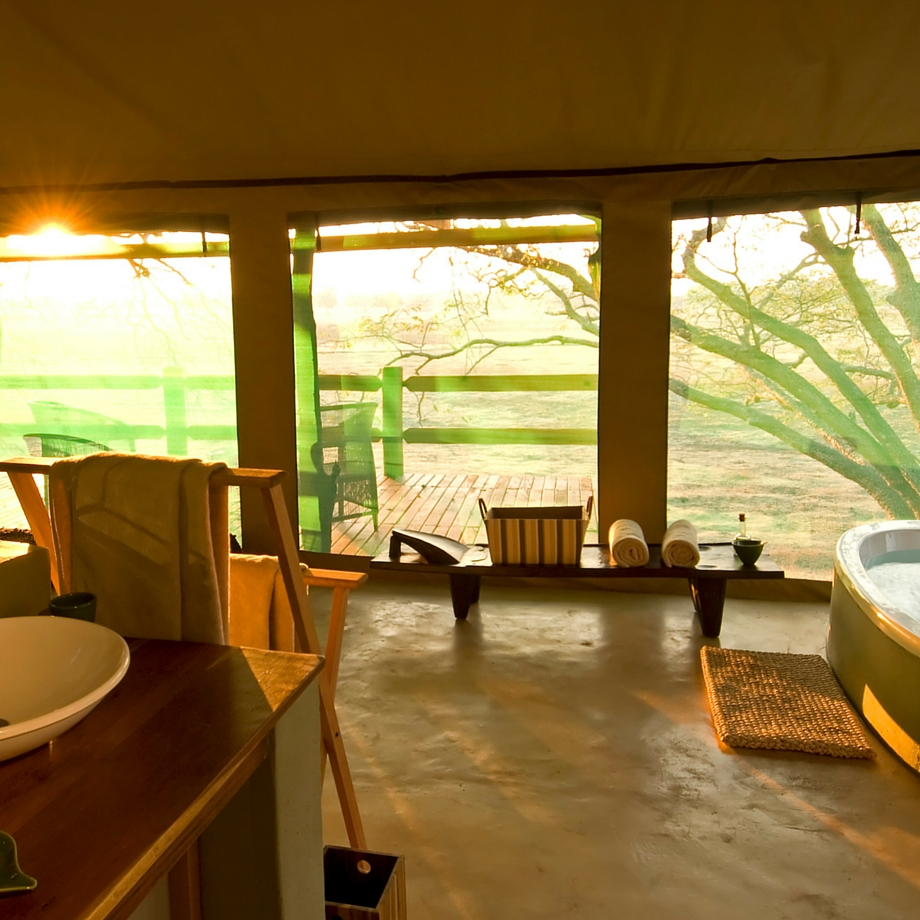 safari-zambia-sanctuary-ridge-camp3