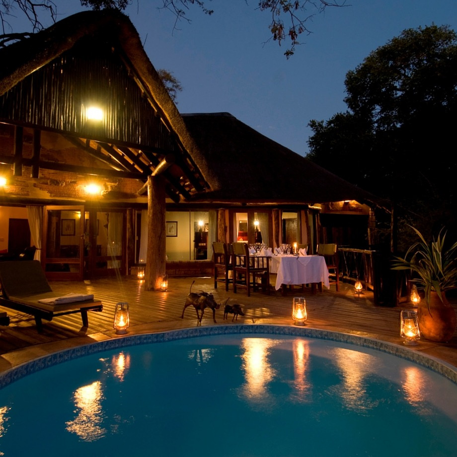 safari-zambia-sanctuary-sussi&chuma2