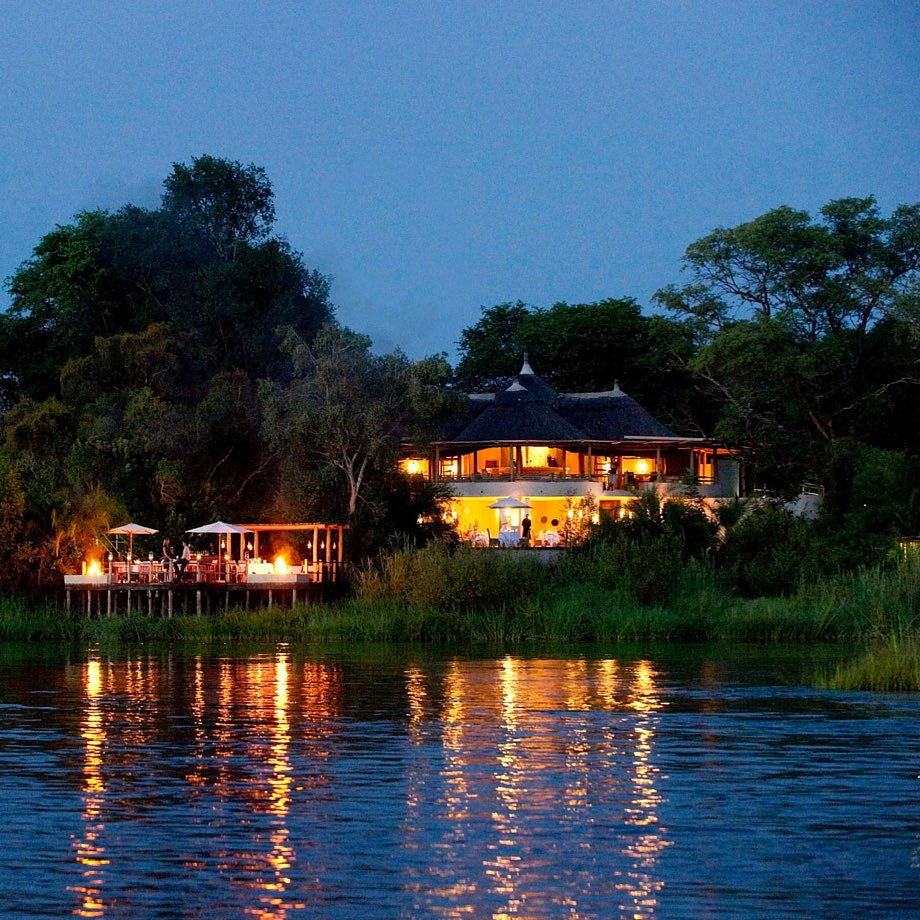 safari-zambia-sanctuary-sussi&chuma3