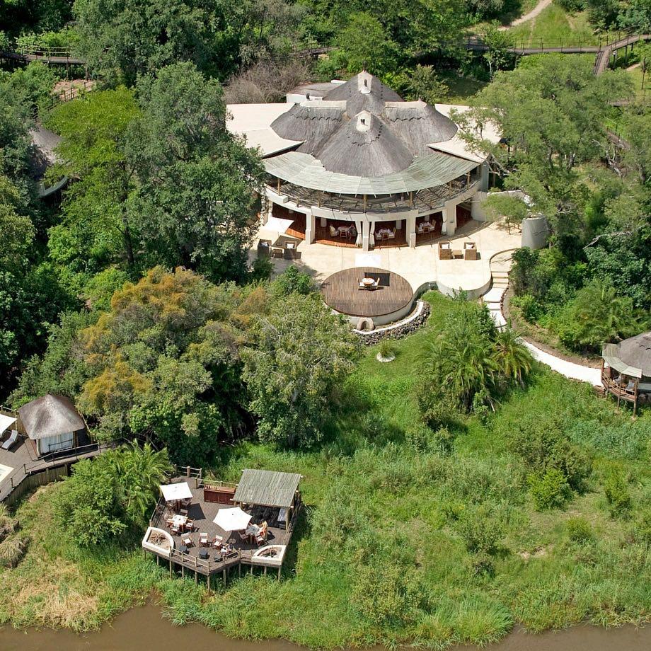 safari-zambia-sanctuary-sussi&chuma4