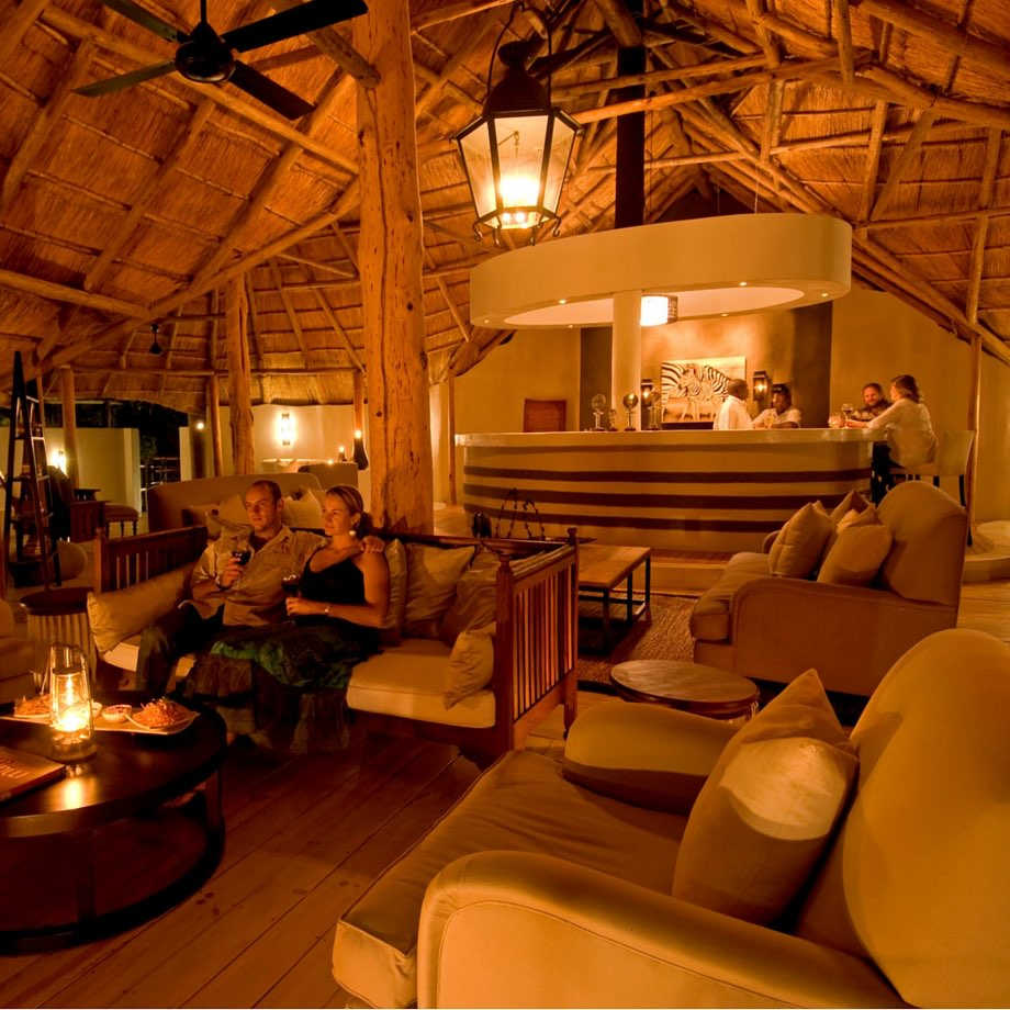 safari-zambia-sanctuary-sussi&chuma7